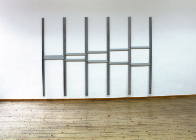 Memory object (grey) #6, Server-Rack Schienen, Blindpaneele, Schrauben, 186,5 × 261,2 × 3,2 cm, 2018, Ed. 1 + 1AP